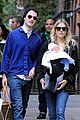 sienna miller tom sturridge new york walk with marlowe 06