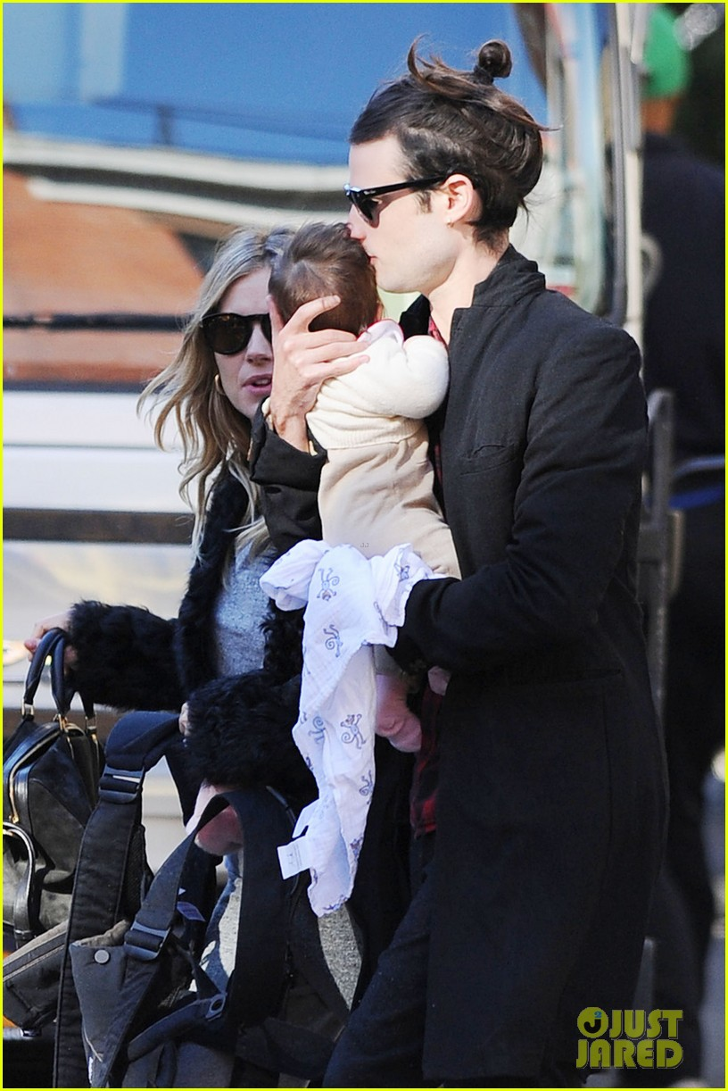 sienna miller saturday stroll with family 042737571