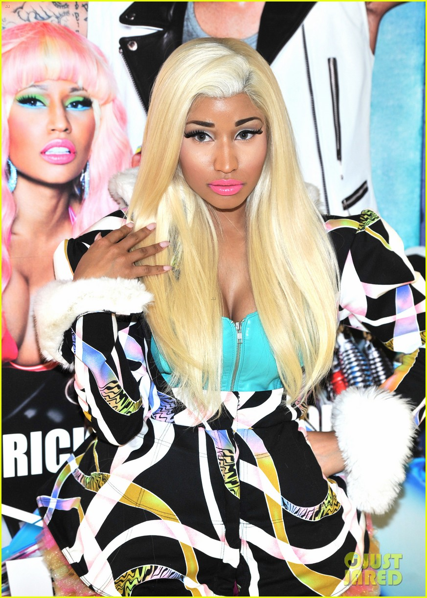 nicki minaj viva mac in store 102748303