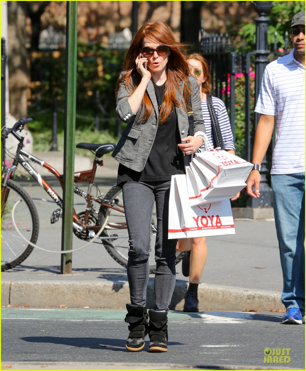julianne moore jewelry stolen from new york home 012733963