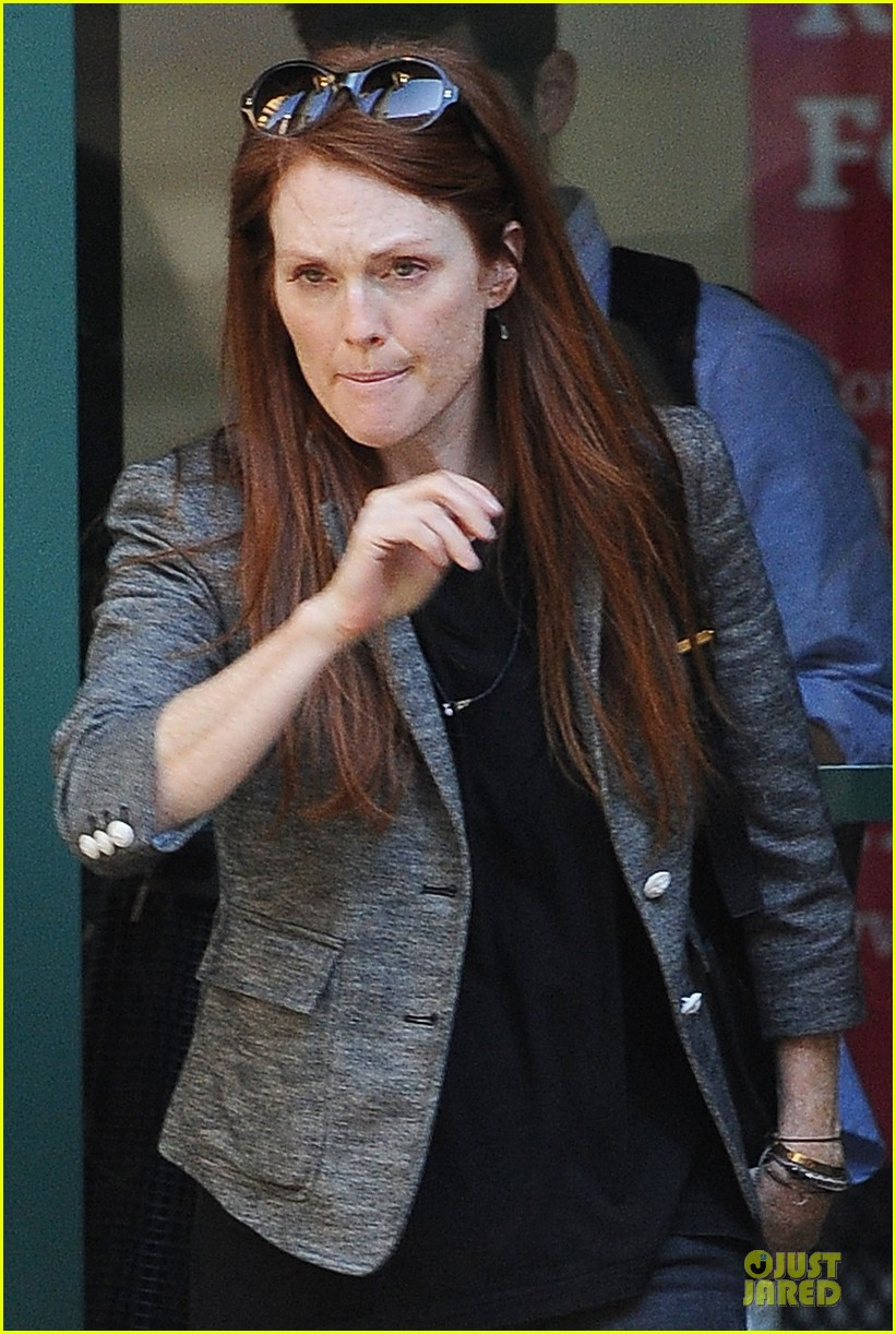 julianne moore jewelry stolen from new york home 022733964