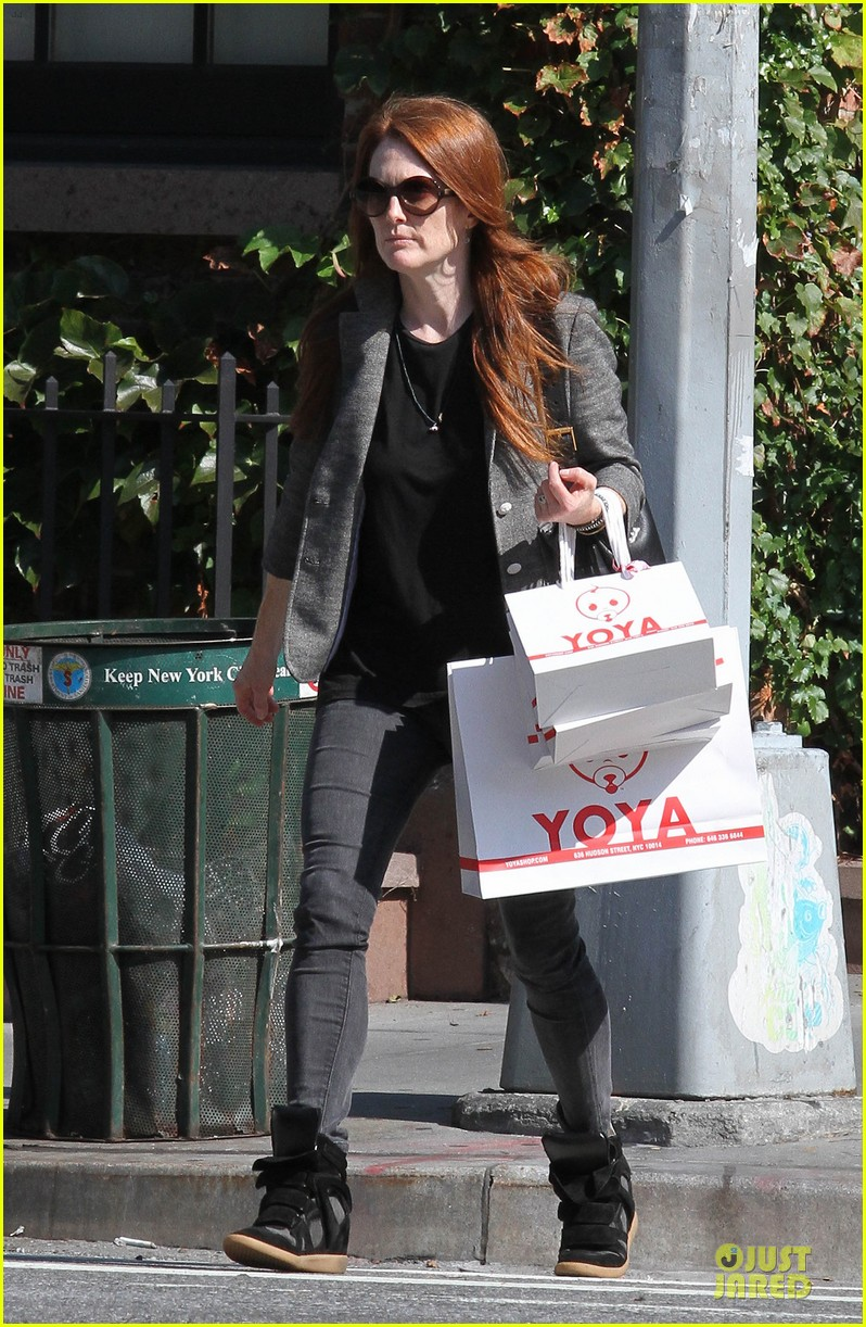 Julianne Moore Jewelry Stolen From New York Home Photo 2733965