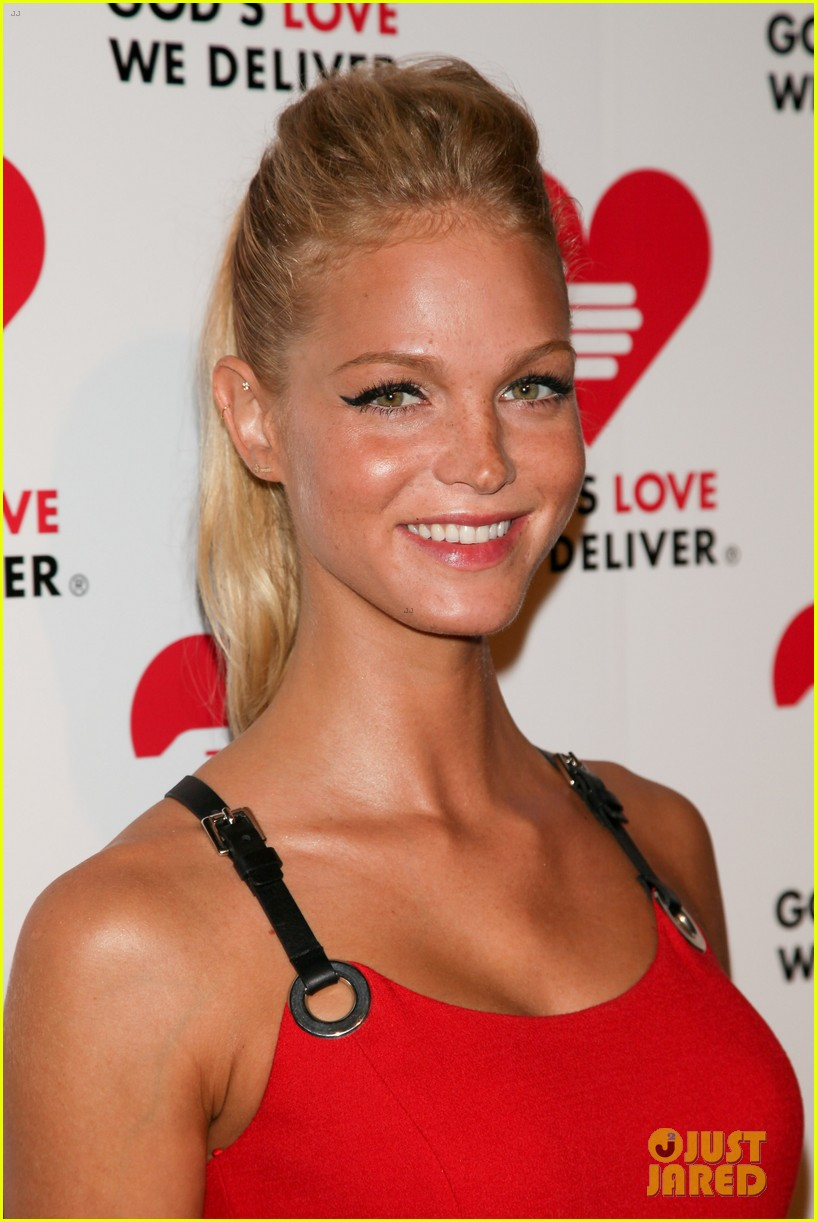 olivia munn erin heatherton gods love we deliver gala 17
