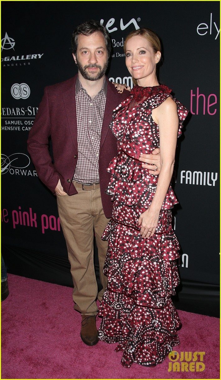 olivia munn michelle pfeiffer pink party benefit 032746740