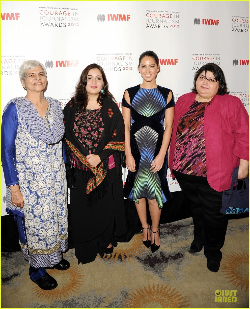 olivia munn aisha tyler courage in journalism awards 132748202