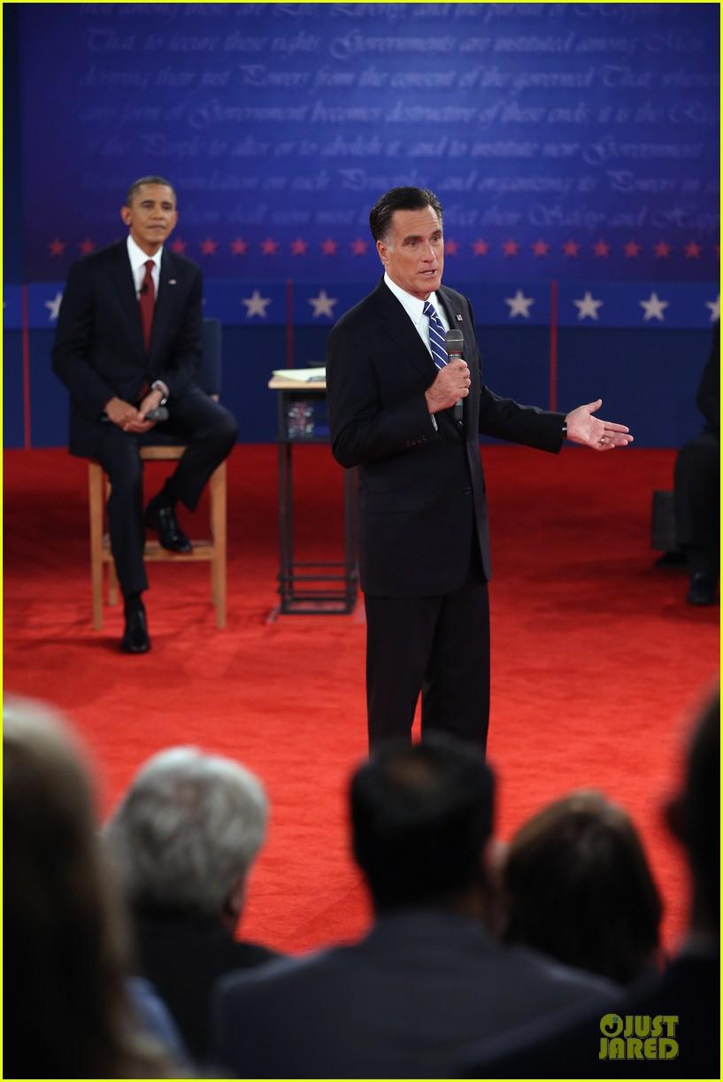 barack obama mitt romney second presidential debate 022739435