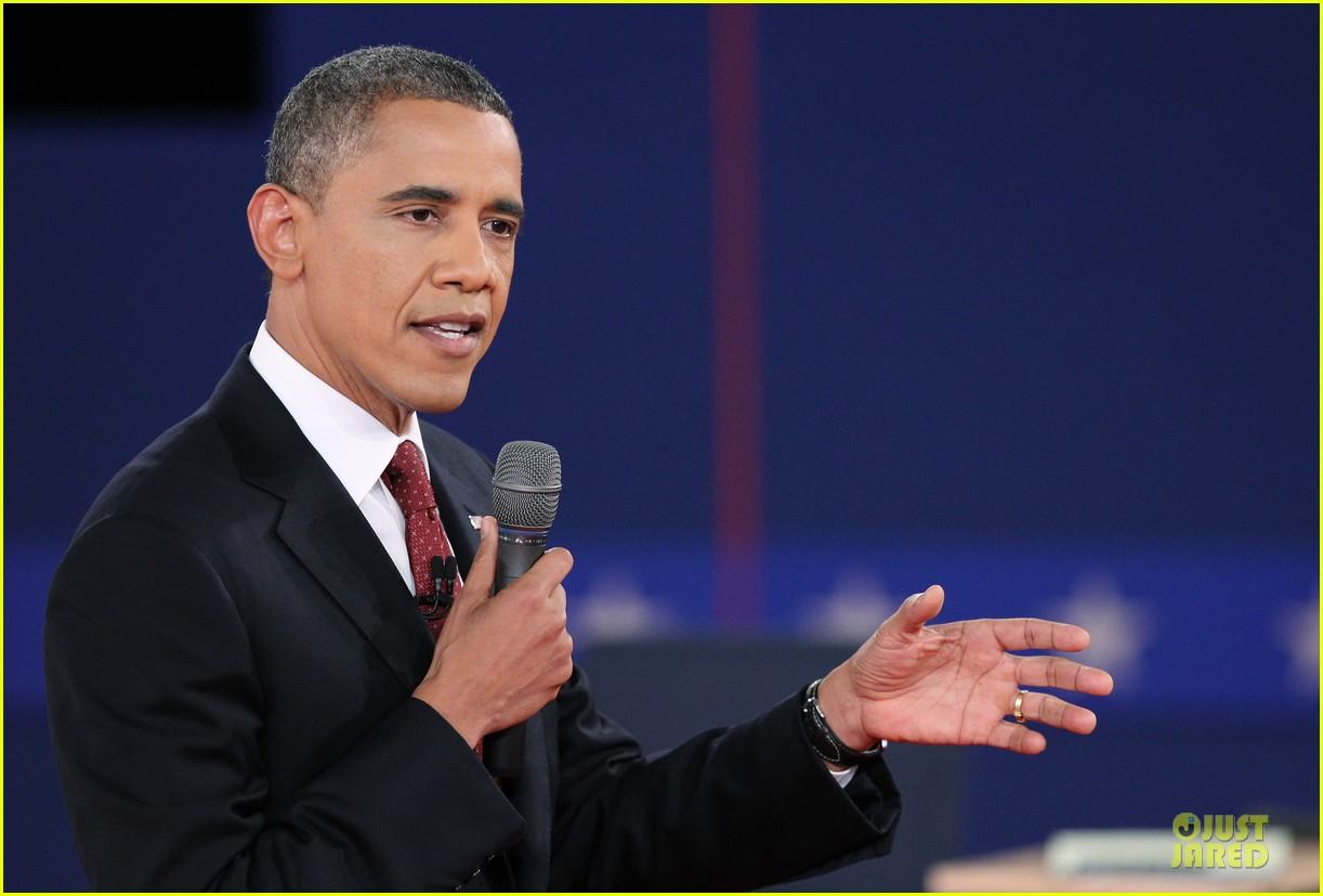 barack obama mitt romney second presidential debate 042739437