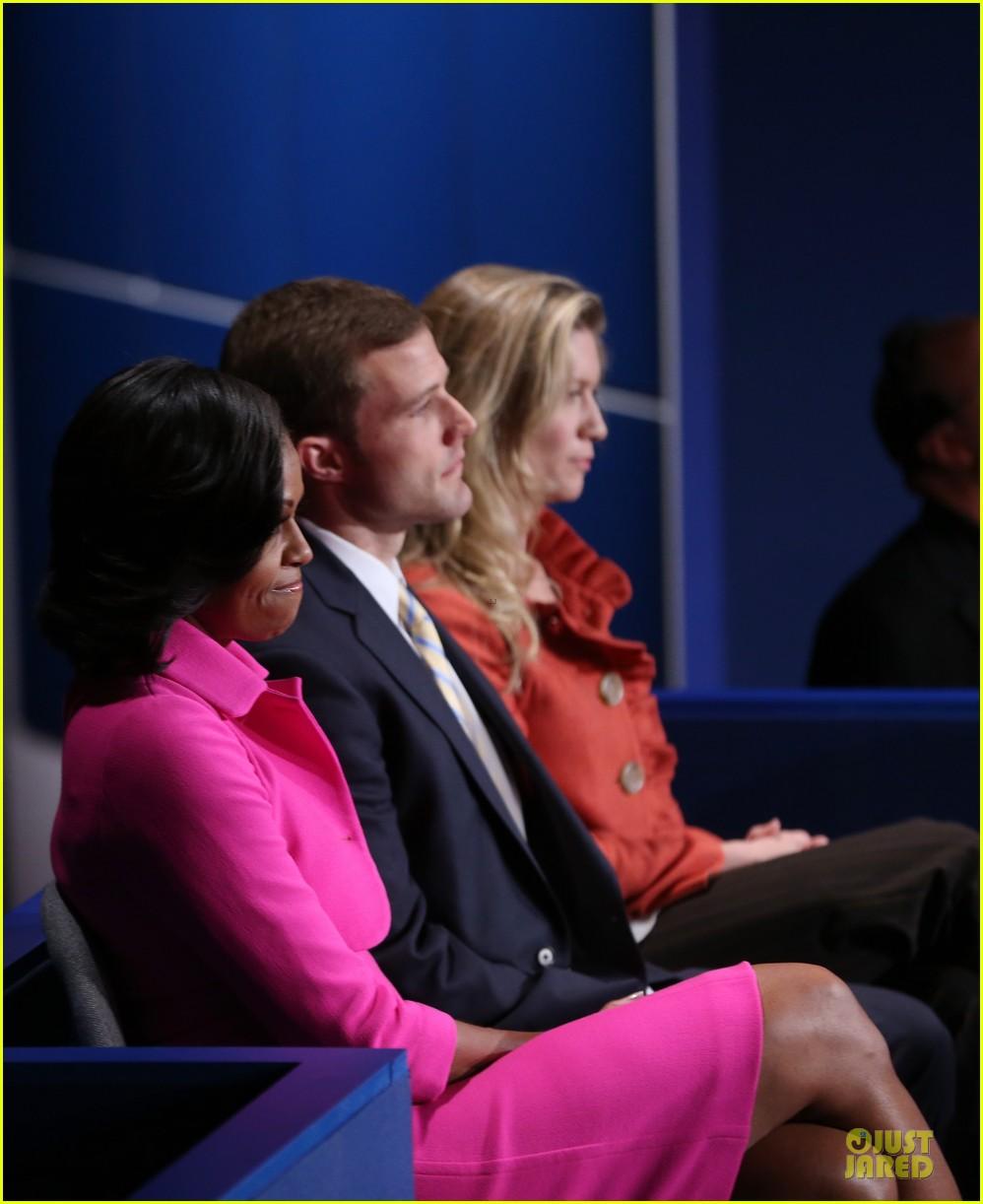 barack obama mitt romney second presidential debate 062739439
