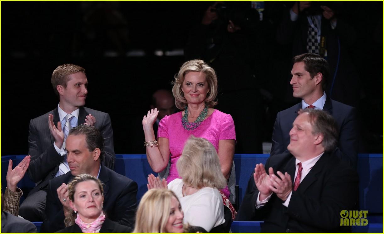 barack obama mitt romney second presidential debate 082739441