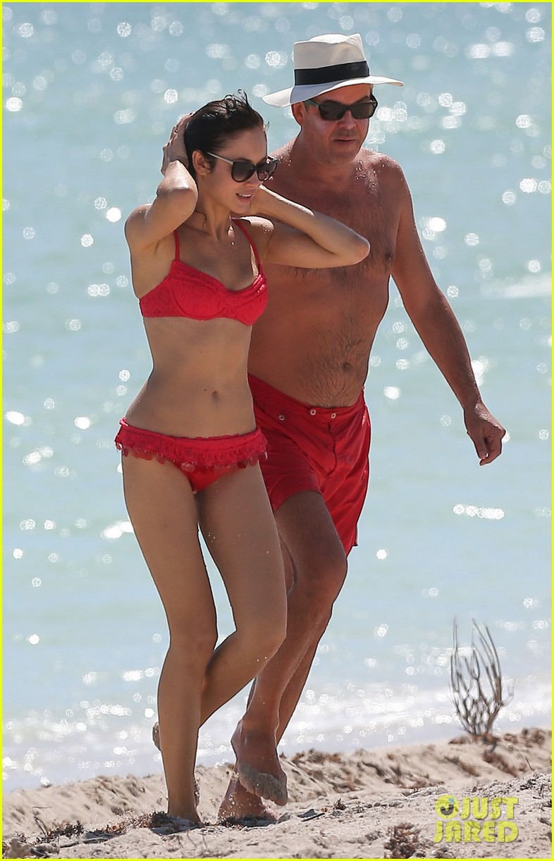 olga kuryalenko bikini beach babe with danny huston 012739812