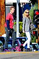 gwyneth paltrow chris martin toys r us with the kids 08