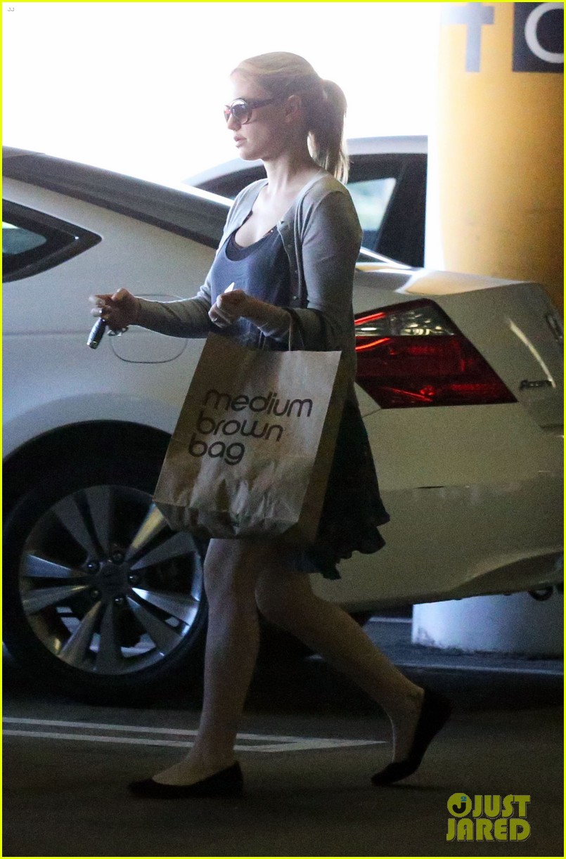anna paquin visits her twins at cedars sinai hospital 132731871