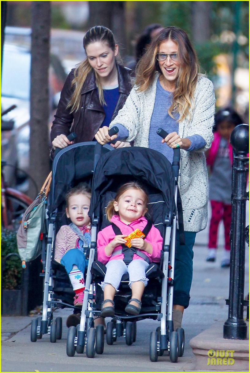sarah jessica parker school walk with james marion tabitha 01