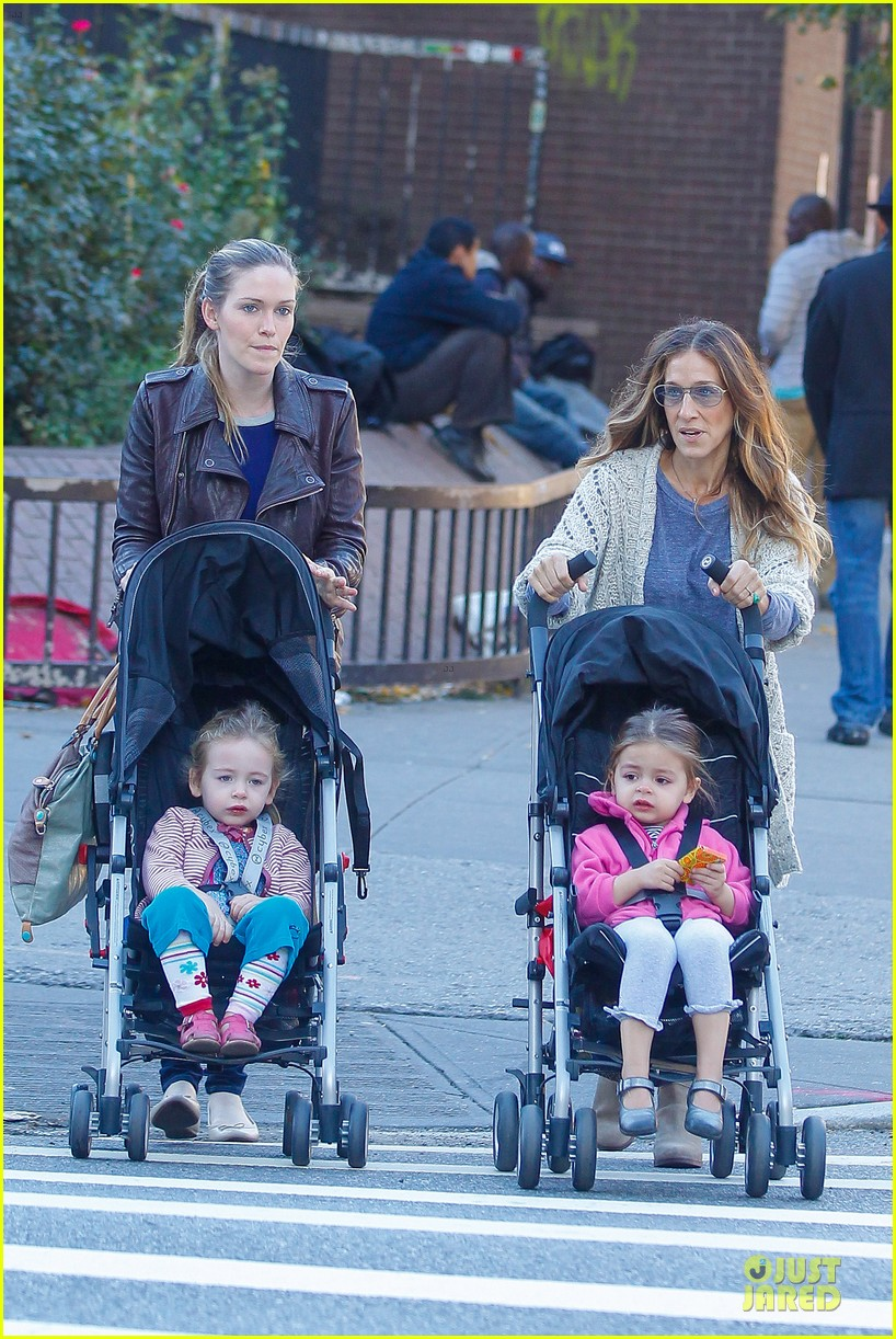 sarah jessica parker school walk with james marion tabitha 06