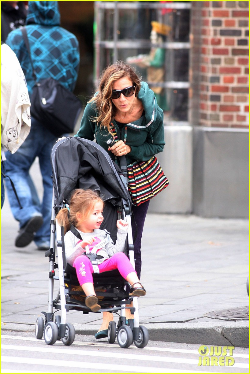 sarah jessica parker school stroll with the twins 032746940