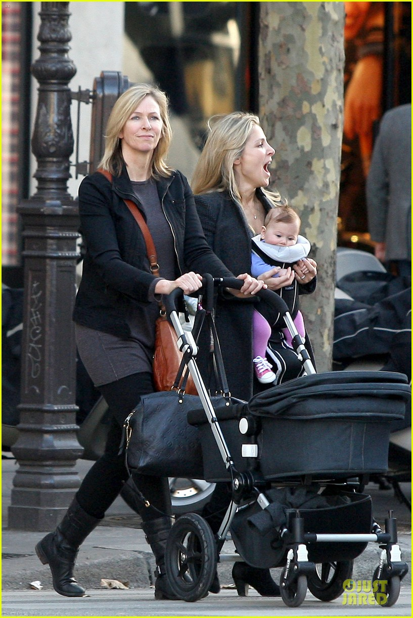 elsa pataky paris stroll with india 142733769