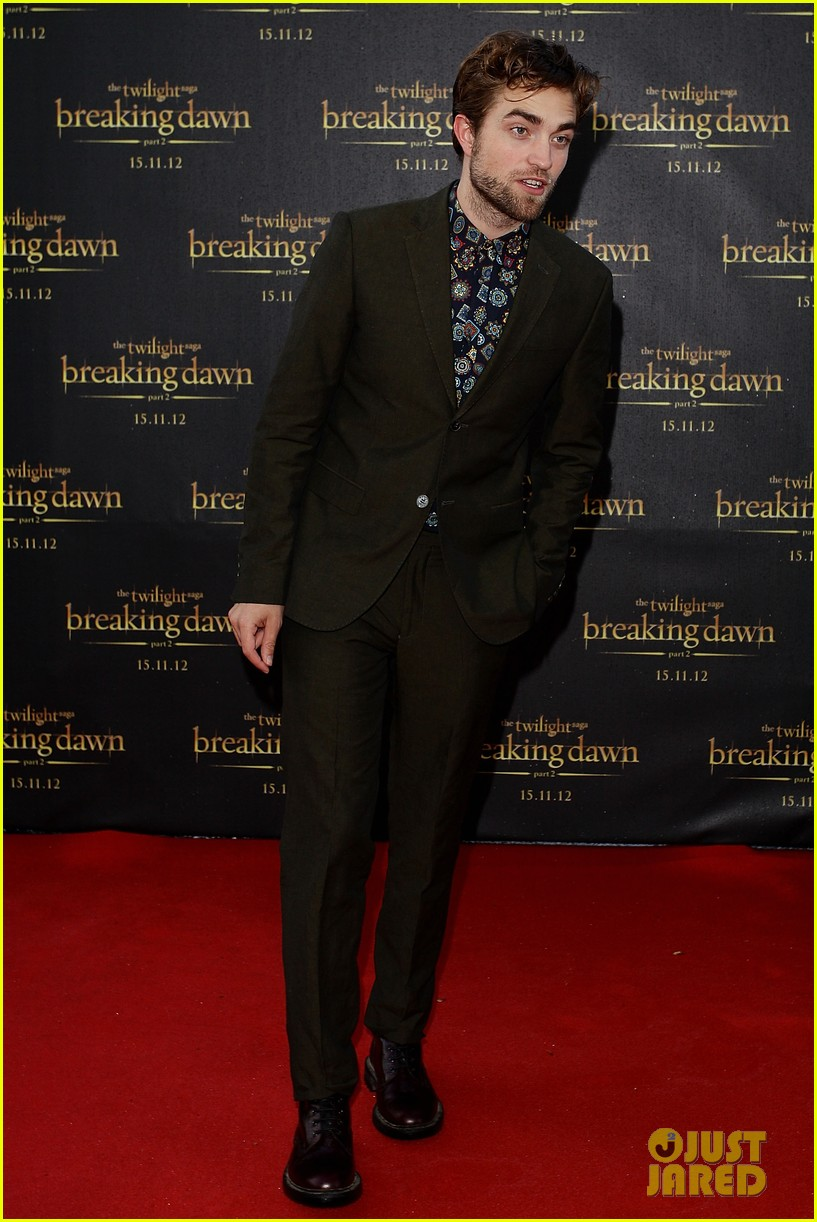 robert pattinson twilight saga breaking dawn part 2 fan event in sydney 052742515