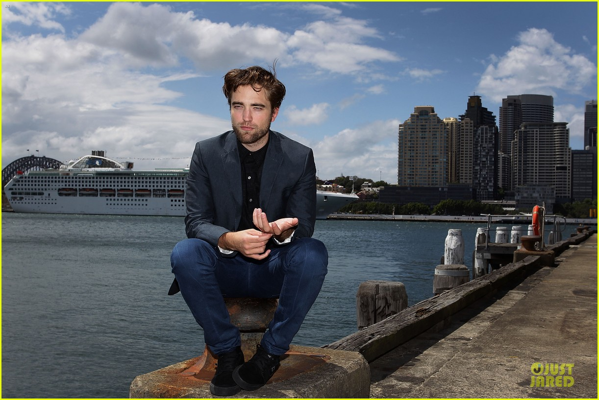 robert pattinson twilight breaking dawn part two photo call in australia 032742450