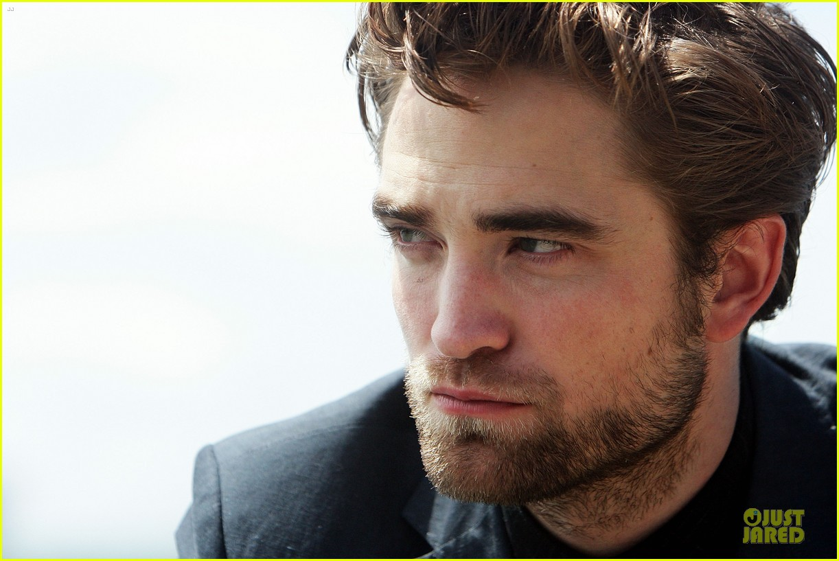robert pattinson twilight breaking dawn part two photo call in australia 11