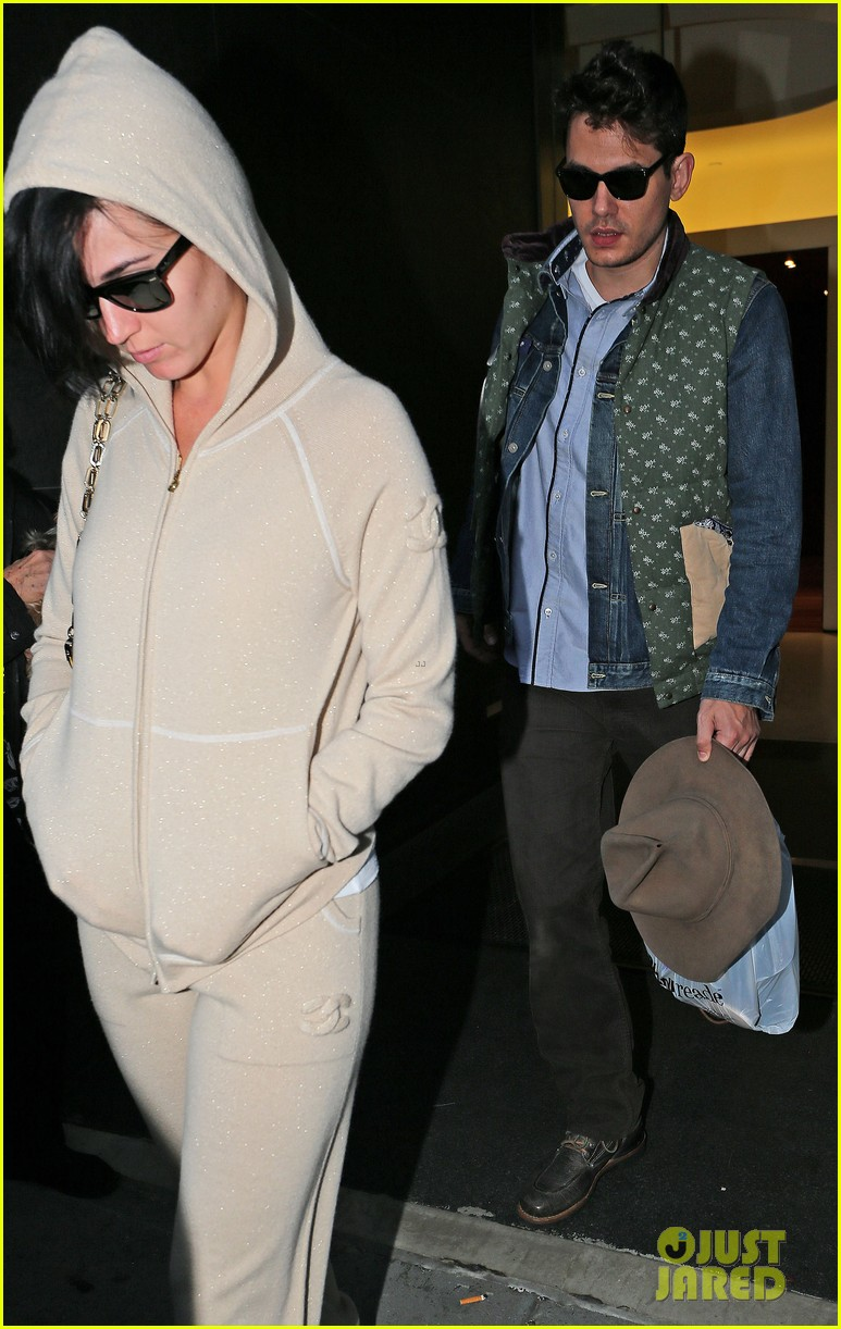 katy perry low key apartment exit with john mayer 122740048