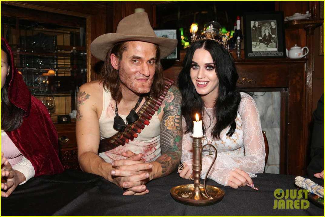 katy perry vampire birthday bash with john mayer 032741719