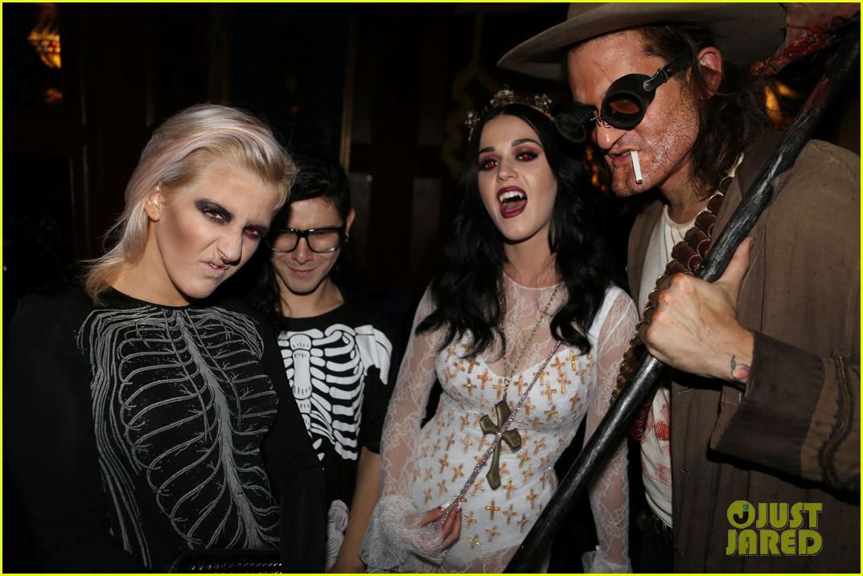 katy perry vampire birthday bash with john mayer 242741740