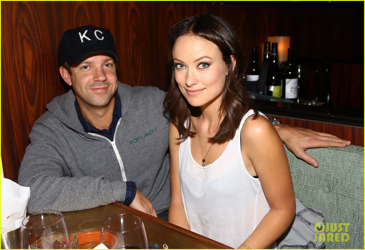 olivia wilde rashida jones glamous these girls celebration 022735164