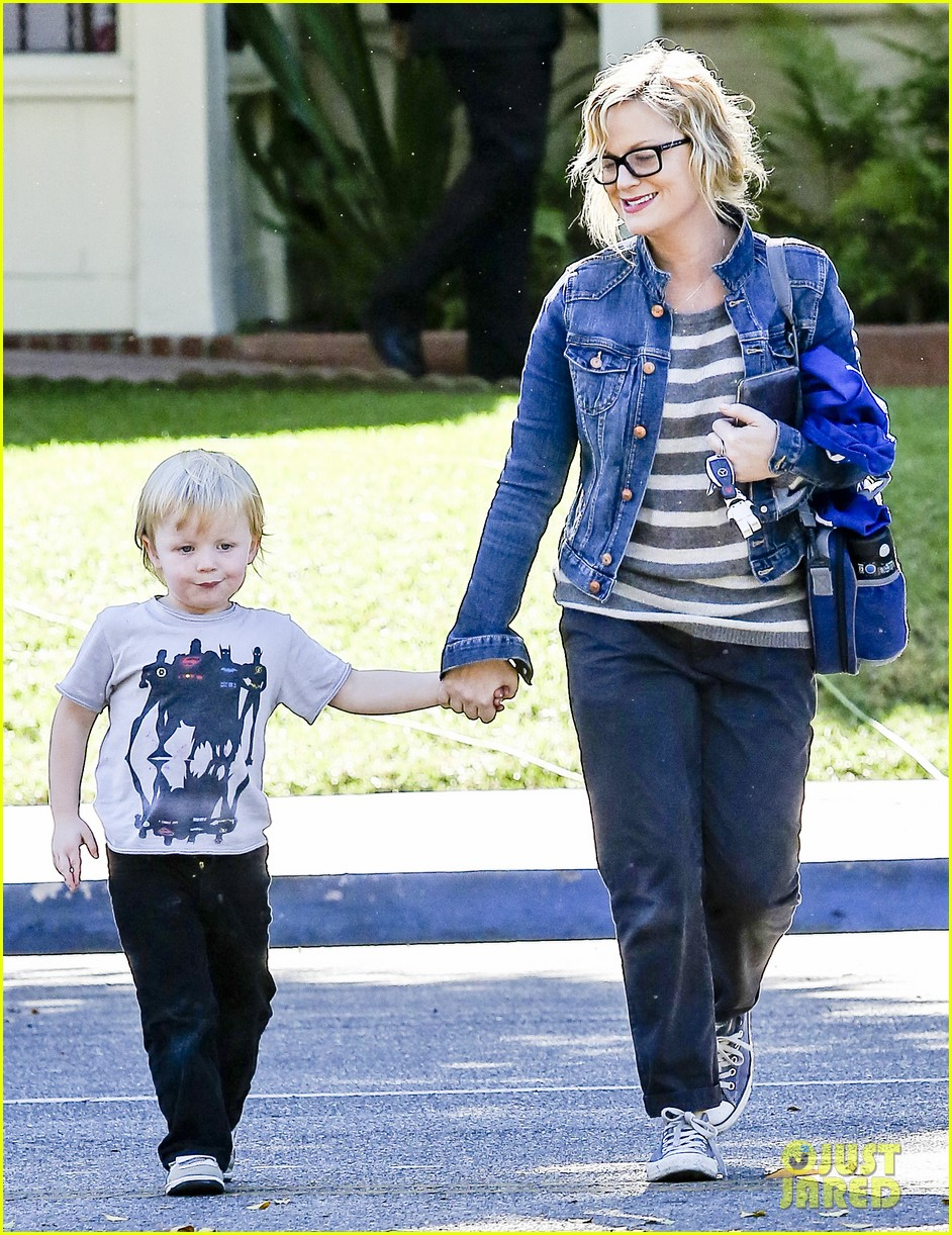 amy poehler shopping with archie 022744877