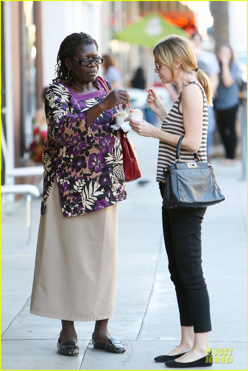 ellen pompeo ice cream sunday with mother in law 012747357