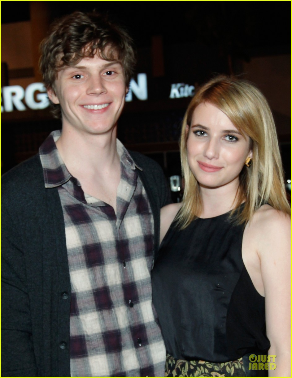 emma roberts evan peters halloween costume shopping 202746059