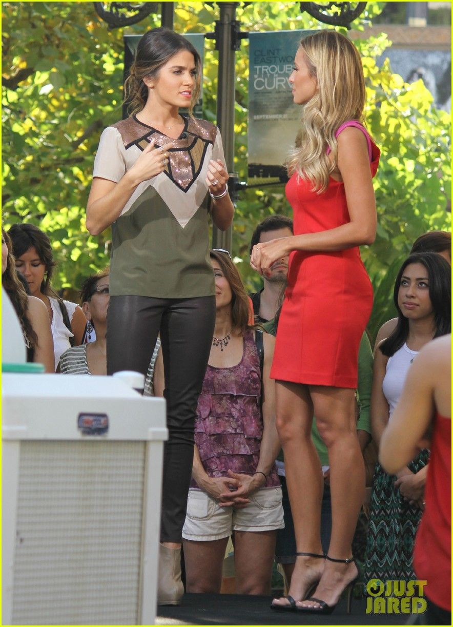 nikki reed ashley greene extra extra 16