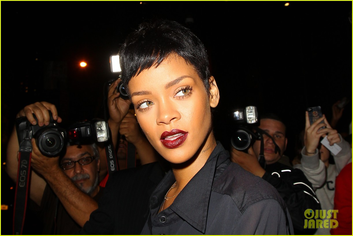 rihanna chris brown gansevoort hotel departure 022732679