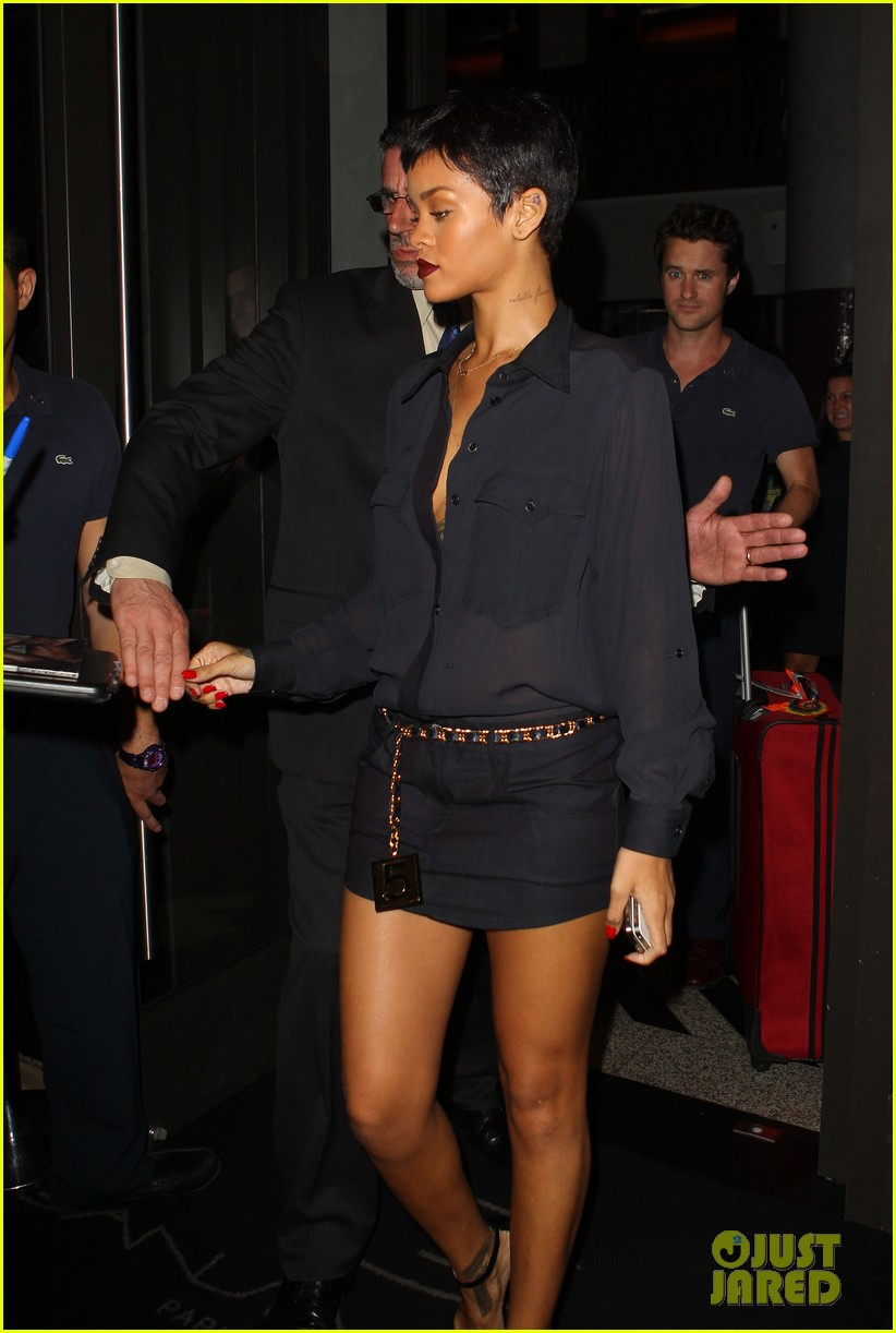 rihanna chris brown gansevoort hotel departure 112732688