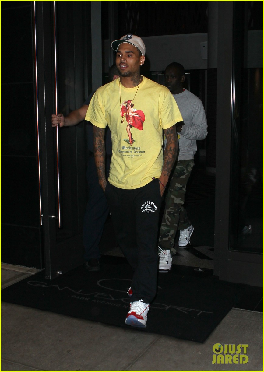 rihanna chris brown gansevoort hotel departure 202732697