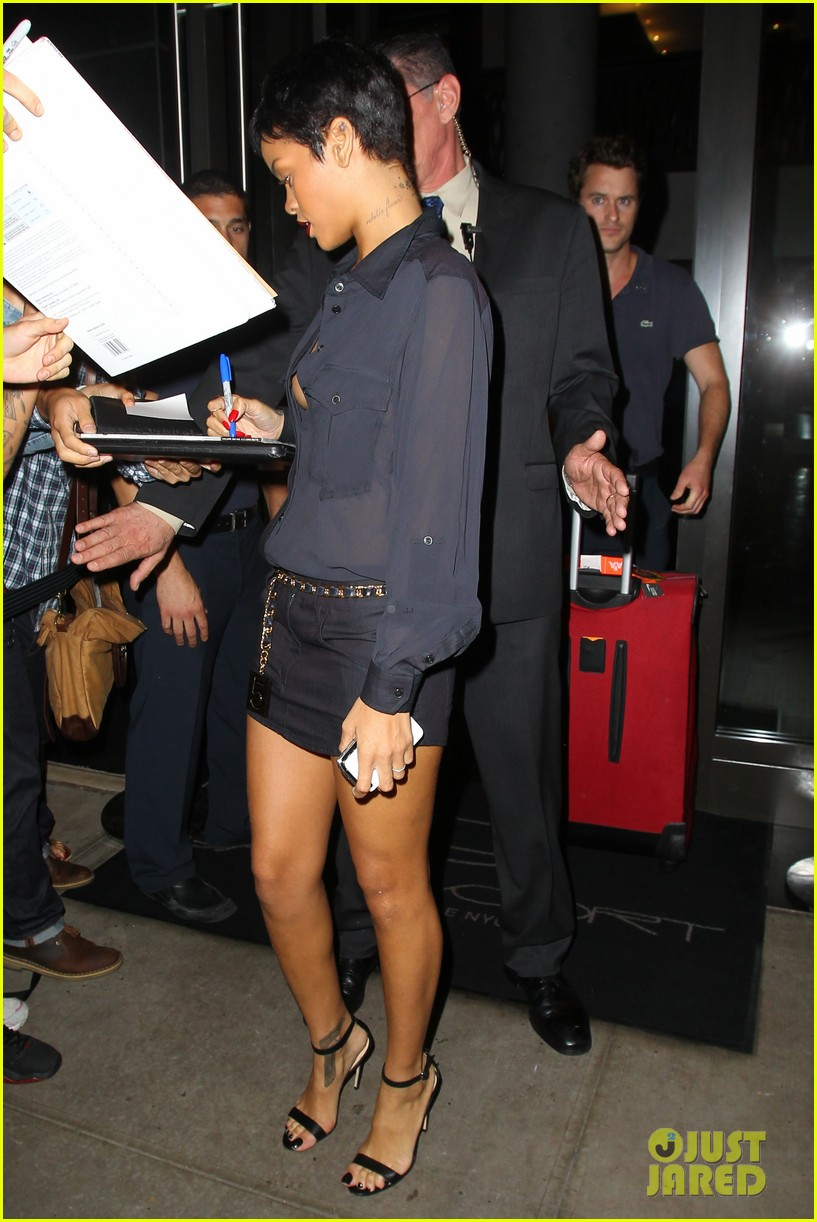 rihanna chris brown gansevoort hotel departure 242732701