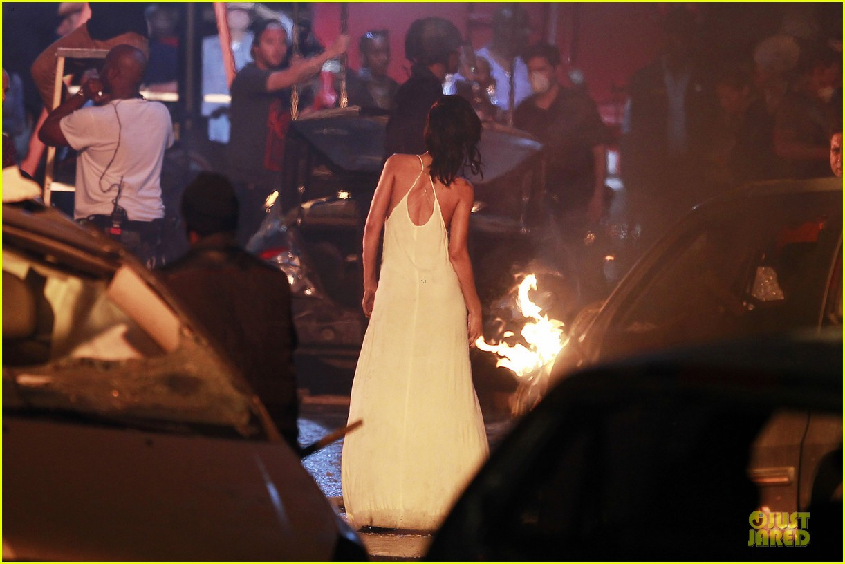 rihanna diamonds music video set 03