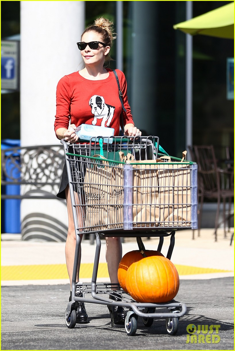 leann rimes halloween supply shopping 112735989