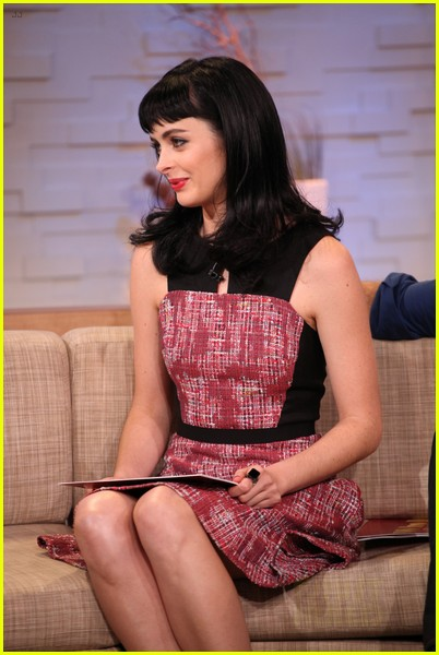 krysten ritter gma with apartment 23 co stars 032744320