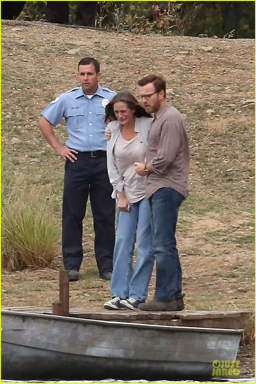 julia roberts august osage set with ewan mcgregor 092733887