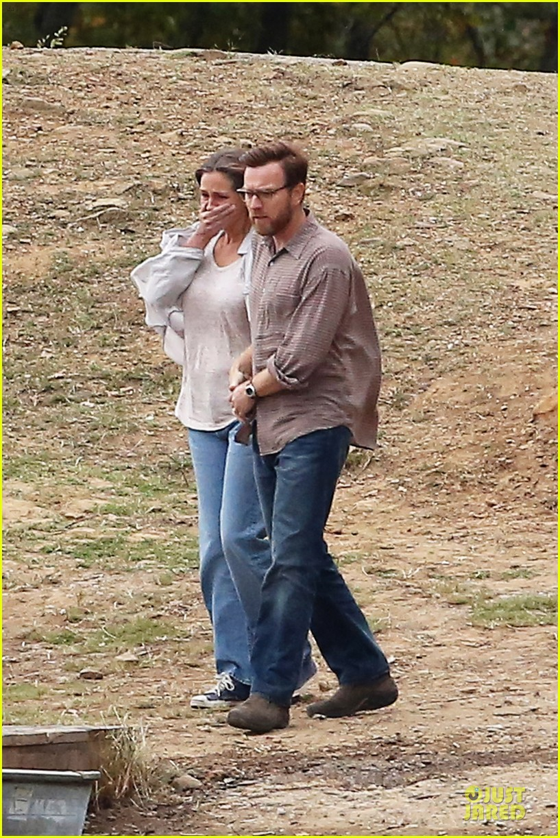 julia roberts august osage set with ewan mcgregor 13