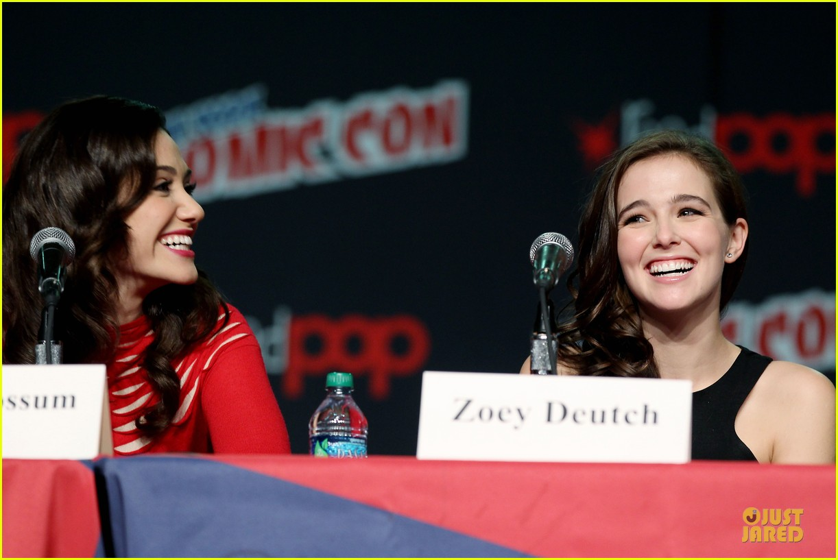 emmy rossum beautiful creatures comic con panel 052737735