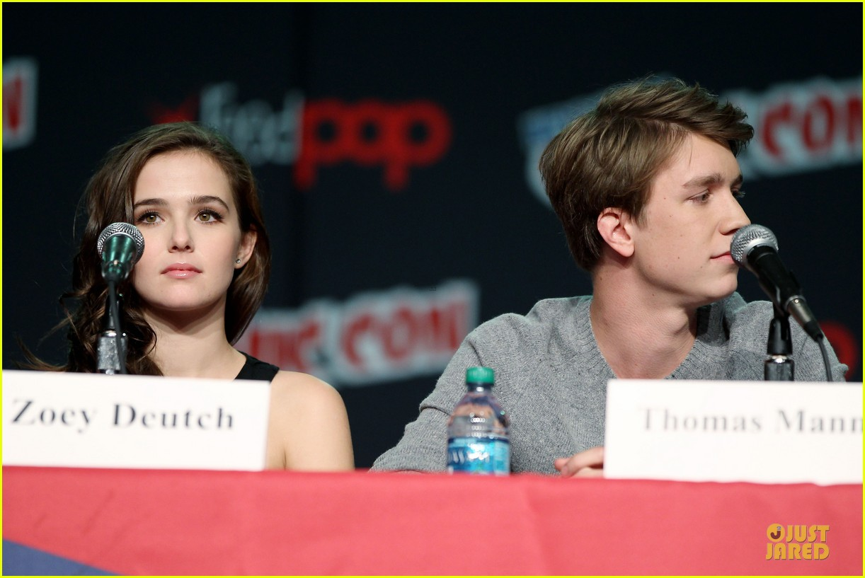 emmy rossum beautiful creatures comic con panel 142737744