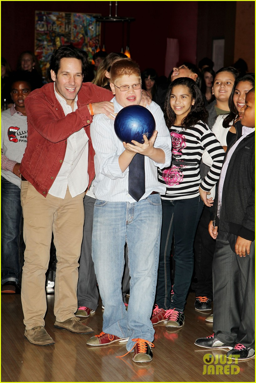 alexander ludwig paul rudd celebrity bowling benefit 092743376