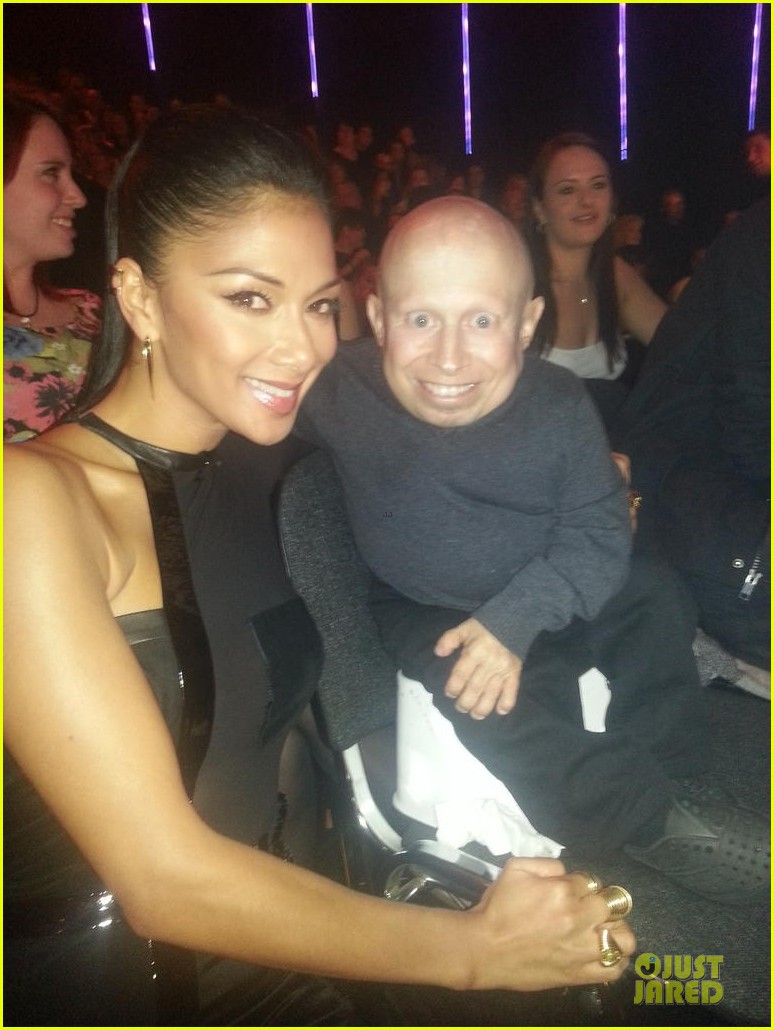 nicole scherzinger x factor show with verne troyer 05