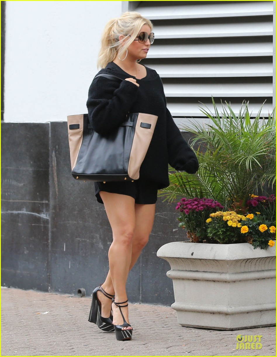 jessica simpson jessica simpson collection tour with ashlee simpson next month 162741595