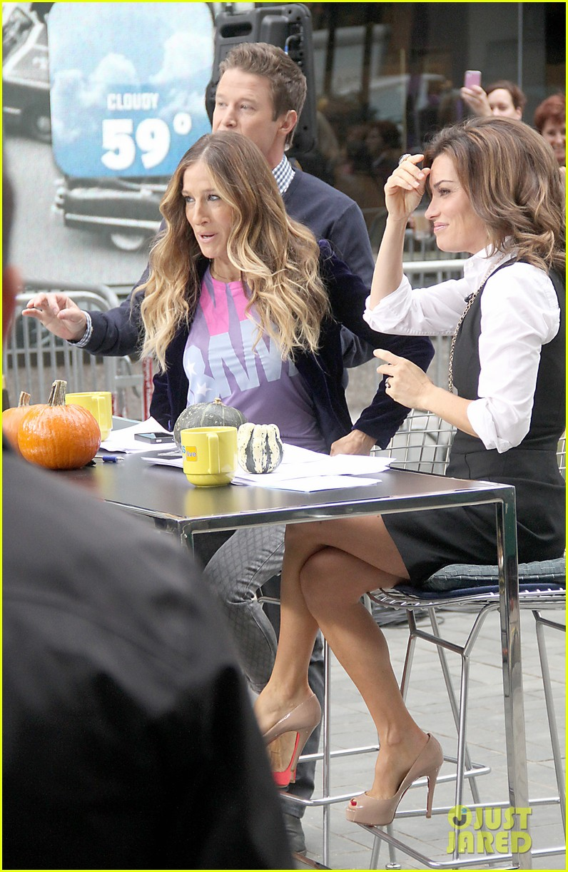 sarah jessica parker supports president obama on access hollywood 012744956