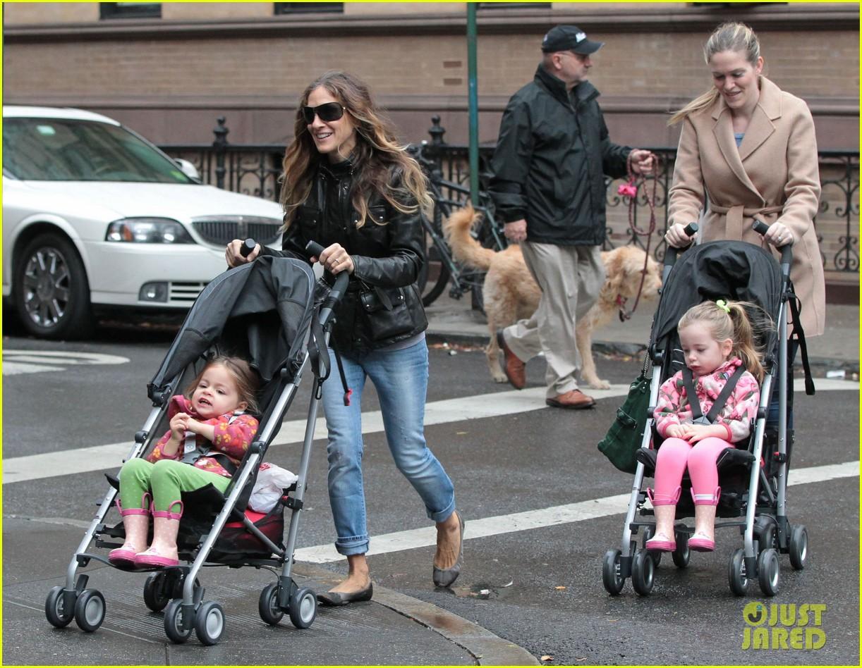 sarah jessica parker big apple morning with kids 122736500