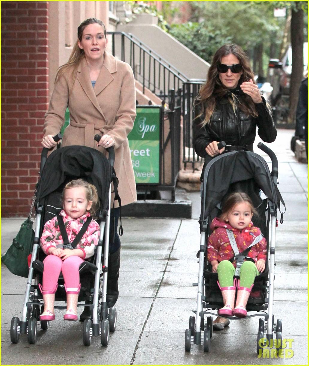 sarah jessica parker big apple morning with kids 132736501