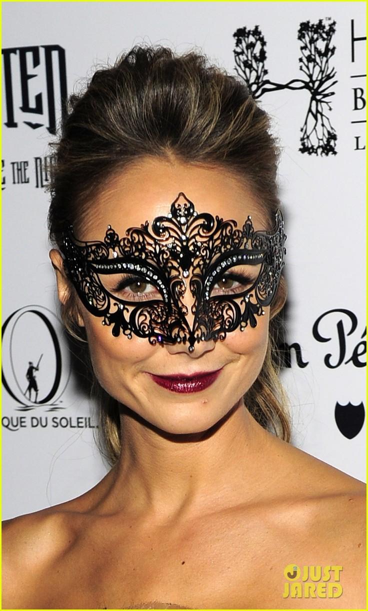 stacy keibler halloween masquerade host 022746773