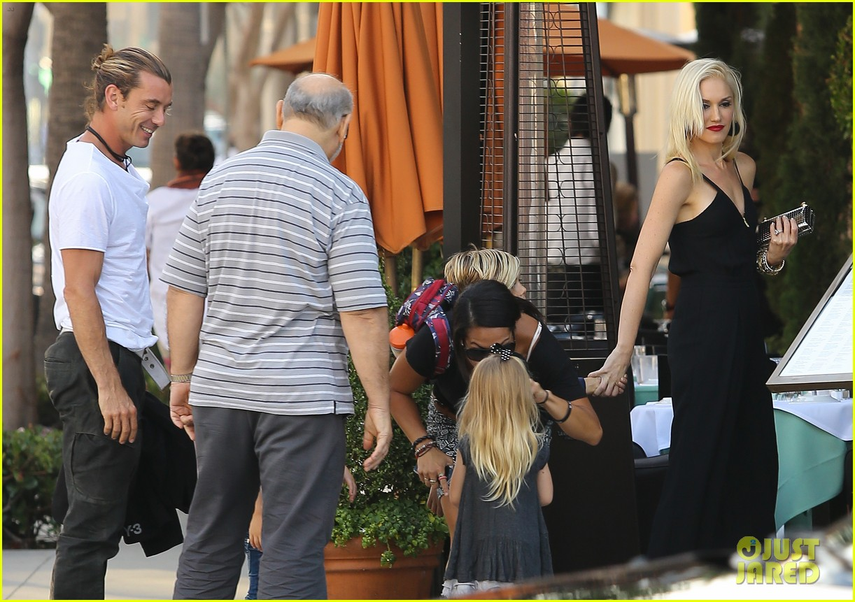 gwen stefani birthday celebration with the family 122732856